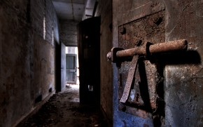 Picture background, the door, latch