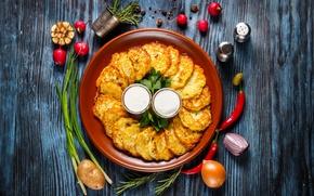 Picture vegetables, wood, spices, potatoes, sour cream, pancakes, pancakes