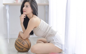Picture girl, the ball, Asian