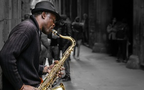 Picture street, musician, saxophone