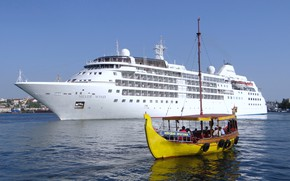 Picture port, the black sea, cruise liner