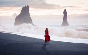 Picture the sky, beach, fog, the situation, figure, nature, storm, clouds, dress, rocks, release, the ocean, …