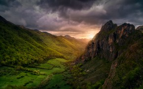 Picture clouds, valley, the sky, forest, forest, trees, mountains, light, clouds
