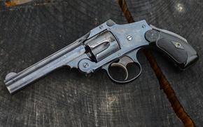 Wallpaper macro, trunk, revolver