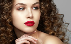 Picture close-up, face, pose, background, hand, portrait, makeup, hairstyle, brown hair, beauty