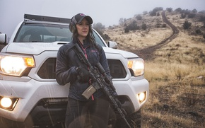 Picture auto, girl, weapons, lights, car, assault rifle