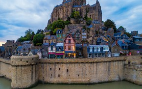 Picture the sky, clouds, trees, wall, France, home, the evening, fortress, Mont Saint Michel