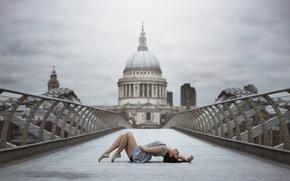 Picture girl, London, grace, legs, Leslie