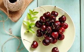 Picture berry, plate, cherry