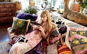 Picture room, sofa, interior, pillow, dress, hairstyle, the camera, blonde, photos, singer, Taylor Swift, Taylor Swift, …