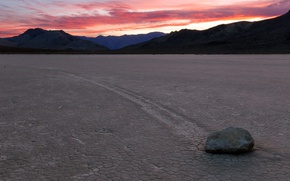 Picture stone, valley, Death Valley National Park, Racetrack