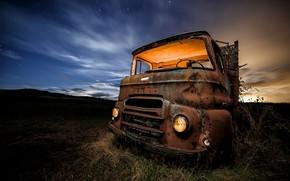Picture machine, night, truck