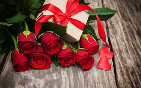Wallpaper red roses, buds, valentine`s day, love, roses, romantic, gift, roses, heart, red, flowers