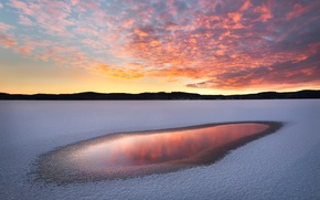 Picture winter, the sky, clouds, light, snow, reflection, sunset, nature, lake, paint, the evening