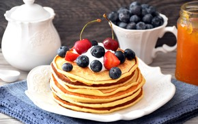 Picture sour cream, napkin, cakes, blueberries, berries, raspberry, wood, pancakes