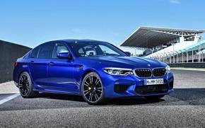 Picture sedan, 2018, BMW M5