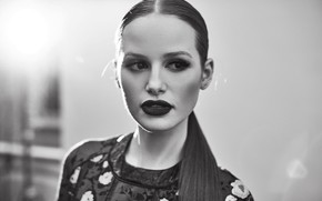 Picture portrait, black and white, actress, Madelaine Petsch