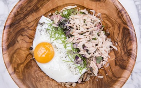 Picture egg, meat, scrambled eggs, salad