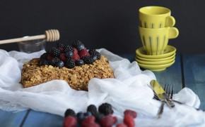 Picture berries, raspberry, blueberries, Cup, cake, dishes, wood, BlackBerry, cake, napkin