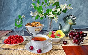 Picture flowers, cherry, glass, table, strawberries, berry, plate, Cup, vase, still life, saucer, marmalade, drying