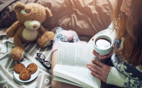 Picture girl, coffee, cookies, Girl, Cup, bed, book, book, bed, coffee, reading, socks, warm, drinking
