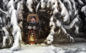 Picture winter, snow, joy, lamp, boy, cold