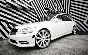 Picture lights, Mercedes, with, color, S550, lowered, smoked, matched, Forgiato wheels