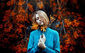 Picture girl, mood, sweater, bokeh, acacia, Mimosa, Ronny Garcia