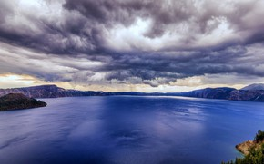 Picture clouds, Oregon, USA, Crater Lake