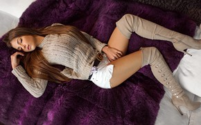Picture pose, model, boots, makeup, figure, hairstyle, lies, shorts, pillow, brown hair, legs, beautiful, plaid, on …