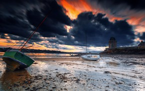 Picture sunset, shore, boats, stranded