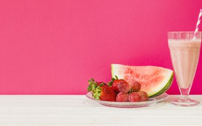 Picture watermelon, grapes, cocktail, pink background, Klubnika, smoothies