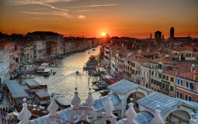 Picture the sky, water, the sun, sunset, home, boats, Italy, Venice, channel