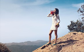Picture the sky, the sun, landscape, mountains, nature, pose, makeup, dress, actress, brunette, hairstyle, beads, handbag, …