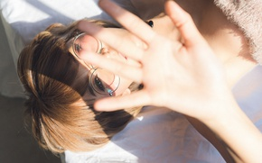 Picture face, model, hand, glasses, palm, Natchanan
