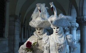 Picture Venice, mask, hats, costumes