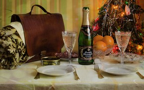 Picture table, holiday, toys, bottle, new year, Christmas, oranges, glasses, plates, tree, knives, garland, portfolio, champagne, …