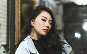 Picture portrait, brunette, Lissa Hamada
