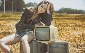 Picture field, model, shorts, jacket, TV, Clementina Aliberti
