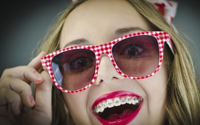 Picture girl, face, smile, style, mood, hand, teeth, lipstick, glasses, braces