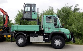 Picture asphalt, Mercedes-Benz, truck, cabin, body, manipulator, Unimog, U530