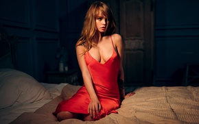 Wallpaper dress, Anastasia Shcheglova, photographer, nightie, bed, Ivan Gorokhov, look