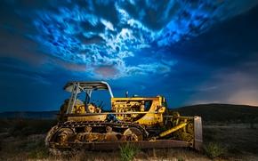 Picture field, night, tractor, bulldozer