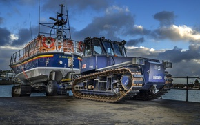 Picture tractor, lifeboat, transportation
