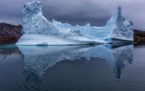 Picture the ocean, ice, iceberg