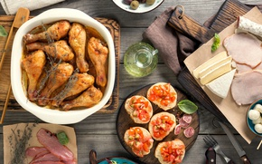 Picture chicken, bread, meat, vegetables, tomatoes, olives, sauce, wood, meat, grilled