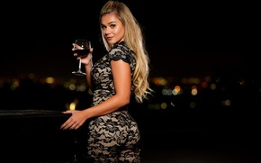 Wallpaper look, night, lights, pose, wine, model, glass, makeup, figure, hairstyle, blonde, outfit, piano, bokeh, sexy, ...