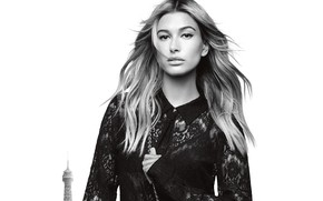 Picture arrows, model, black and white, Hailey Baldwin