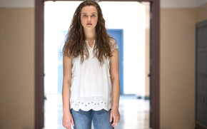 Picture girl, Hannah, tv series, Netflix, 13 Reasons Why