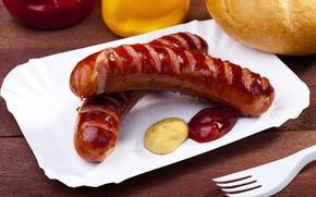 Picture sausage, bread, sauce